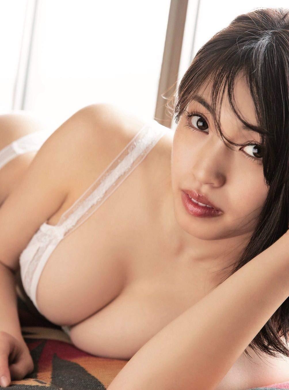 Fカップグラドル MIYU さん 動画と画像の作品リスト